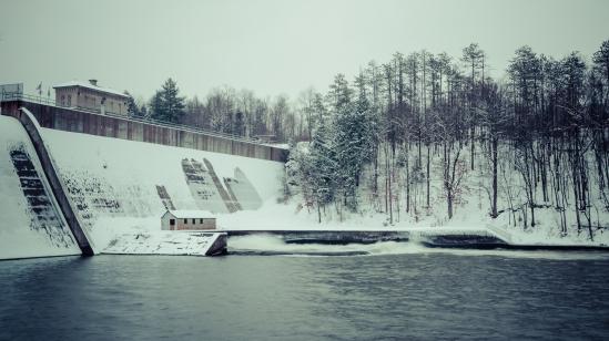 A Day to the Dam Nikon D5100, Sigma 17-70mm f/2.8-4, 0.5s, 28mm, f/20, ISO 100