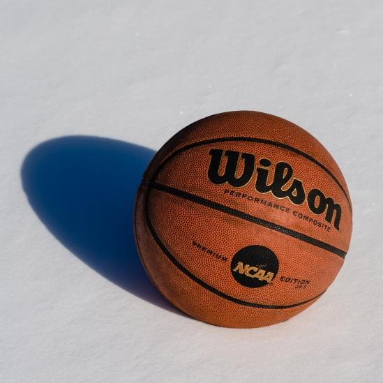 Snow Basketball Nikon D5100, Sigma 17-70mm f/2.8-4, 1/250s, 58mm, f/8, ISO 100