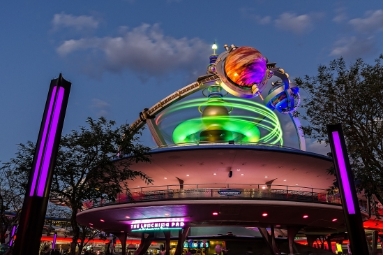 Tomorrowland Spins Nikon D5100, Sigma 17-70mm f/2.8-4, 8s, 17mm, f/11, ISO 100
