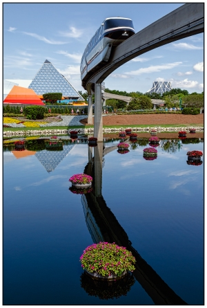 An Epcot Morning Nikon D5100, Nikkor 24-85mm f/3.5-4.5, 1/125s, 24mm, f/11, ISO 200