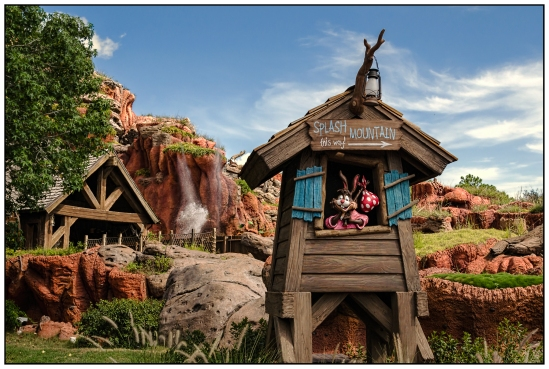 Splash Mountain...  this way! Nikon D5100, Nikkor 24-85mm f/3.5-4.5, 1/800s, 24mm, f/8, ISO 400