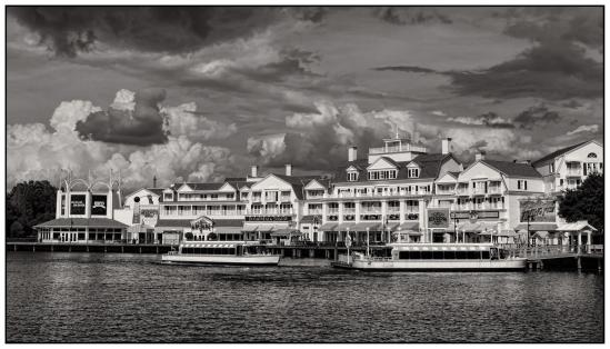 Boardwalk Dock Nikon D5100, Nikkor 24-85mm f/3.5-4.5, 1/800s, 29mm, f/11, ISO 200
