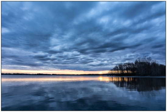 Cloudy Sunset Nikon D7100, Tokia 12-28mm f/4, 1/8s, 15mm, f/16, ISO 100