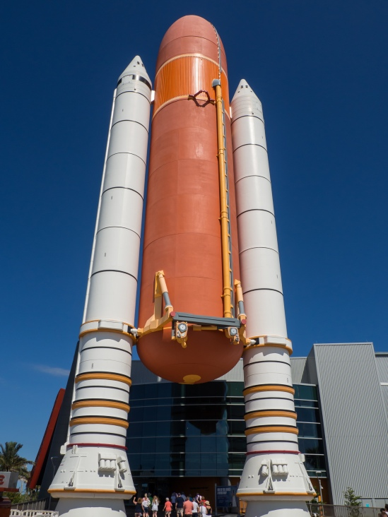 Shuttle External Fuel Tank w/Boosters