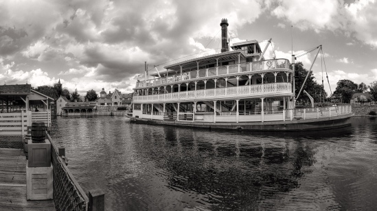 Liberty Belle Pano Nikon D7100, Sigma 17-70mm f/2.8-4, 1/320s, 17mm, f/11, ISO 400, 5 shot portrait pano